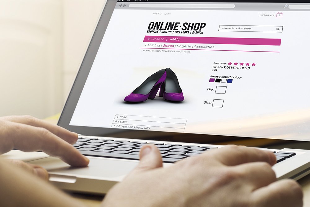 Online Shop am Laptop